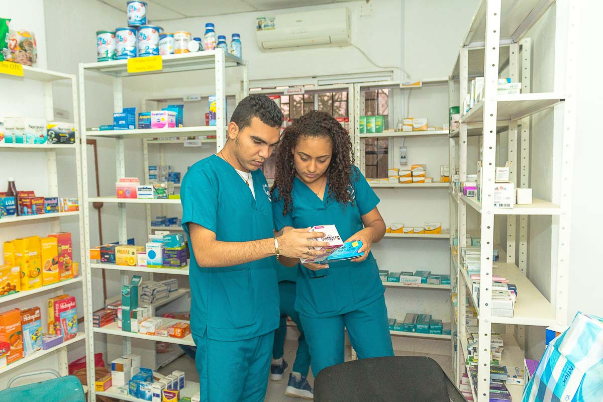 Auxiliar en los servicios farmacéuticos | Tecniser